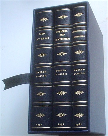 MEN AT ARMS TRILOGY. Men at Arms. -- Officers and Gentlemen. -- Unconditional surrender. WAUGH. EVELYN.