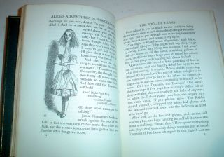 ALICE`S ADVENTURES IN WONDERLAND. With the original illustrations by John Tenniel.